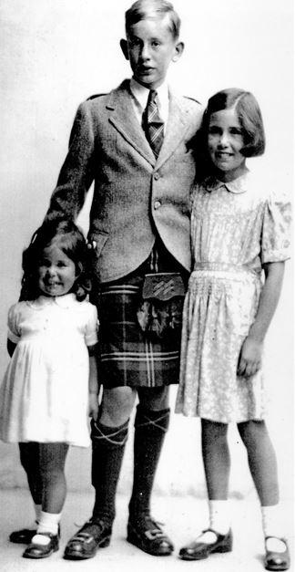 Margaret, John and Helen Scott