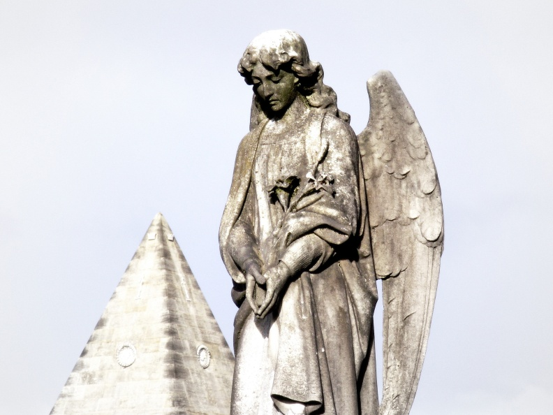 angel-star-pyramid