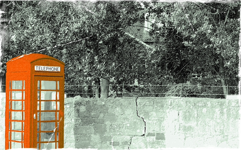 red-telephone-box-2