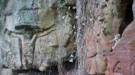 tommy hawkings rock carvings, blantyre priory (2)